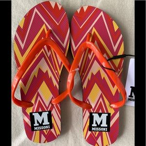 NWT Missoni pink & orange signature flip flops
